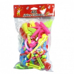Lot de 40 jouets assortis...